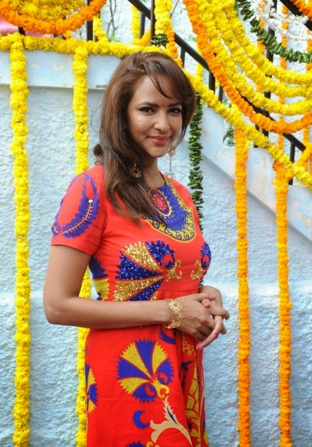 Lakshmi Manchu at Pilavani Perantam Movie Opening Photos