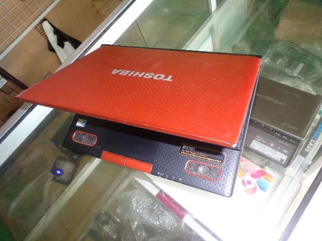 Netbook Bekas Toshiba NB520 N570 Orange