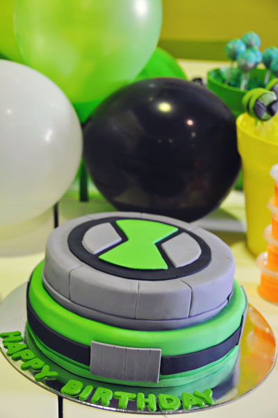 Ben 10 birthday cake omnitrix cake