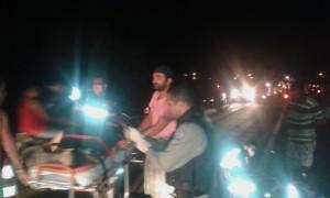 Pai e filho sofrem grave acidente de moto na BR-104 entre Nova Floresta e Cuité