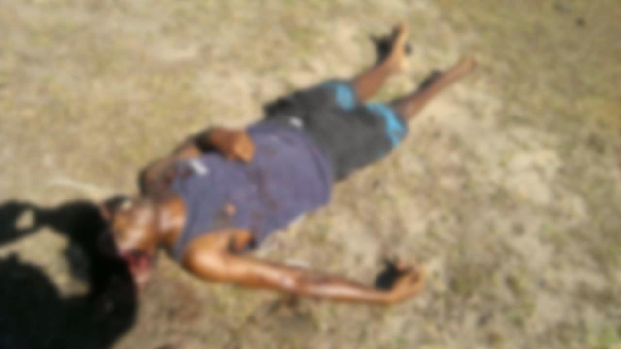 IMAGENS FORTES  Uma pessoa foi morta no Jardim Peró, Cabo Frio