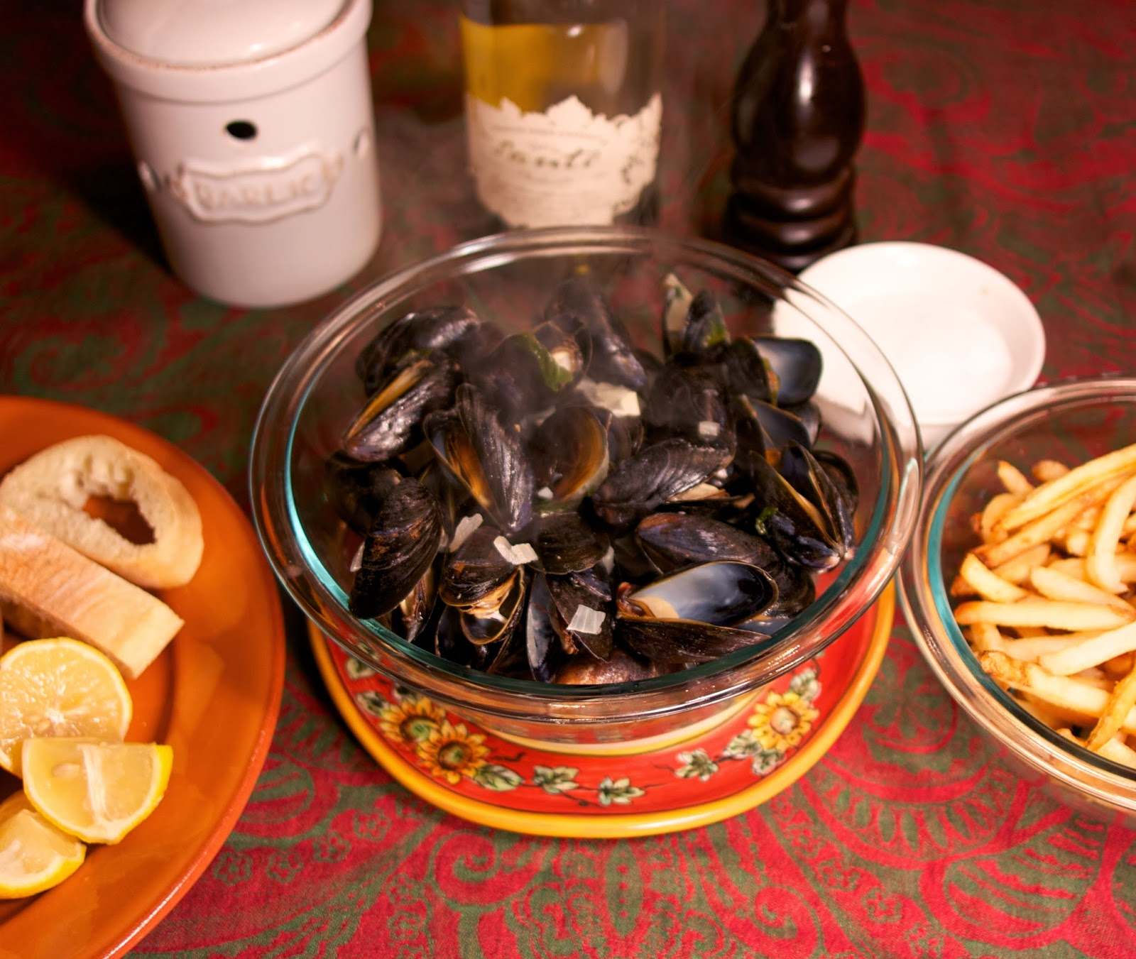 Steamed Mussels: Moules Mariniere: Simple Living and Eating