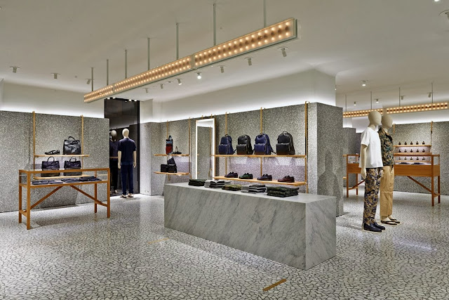 VALENTINO NEW MEN SHOP IN PARIS