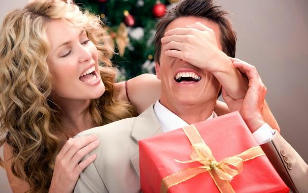 Что подарить на Новый Год - оригинальные новогодние подарки - детский аквариум-ночник, восковая лампа, волшебный шар с молниями, ретро-телефон, старинный приемник, DVD-диск и другое..