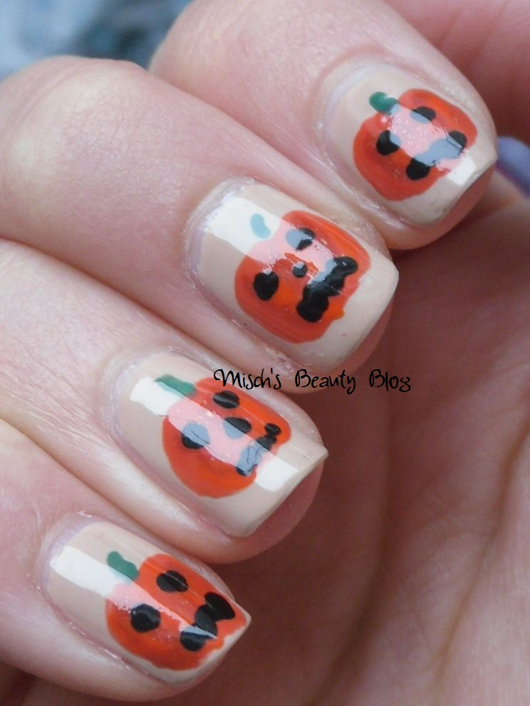 Misch\'s Beauty Blog: NOTD October 25th: Jack O\'Lantern Nail Art