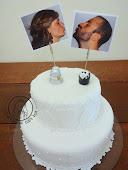 Bolo Casamento Noivinhos de docinhos