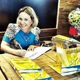 Escritora e Contadora de Histórias Milena Karl