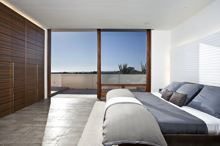 Bedroom in CORMAC Residence In California
