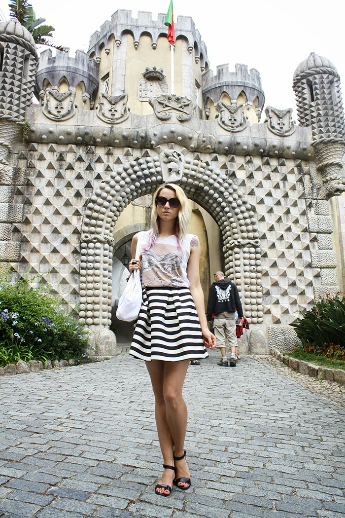 skinny buddha sintra portugal Zara T-shirt H&M striped skirt