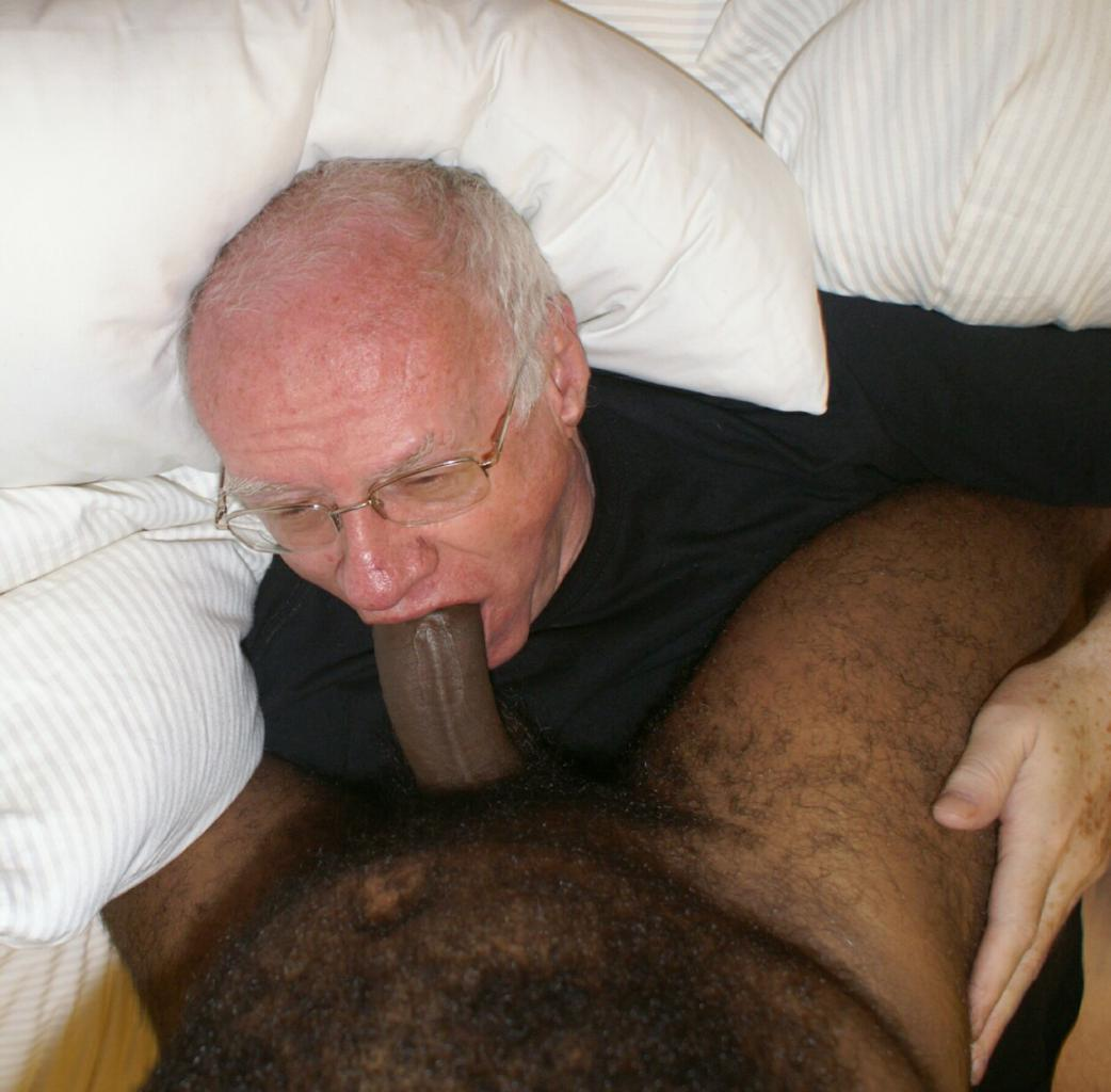 Old man sucking boy dick