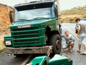 Os motoristas dos uutros veículos atingidos não ficaram feridos, segundo a PRF. (Foto: Odiney Santos / Blog Marcos Frahm)