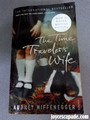 a summary of the story of time traveler 'the time traveler's wife' author audrey niffenegger did a  iama to talk about her classic time travel love story the time traveler's wife and.