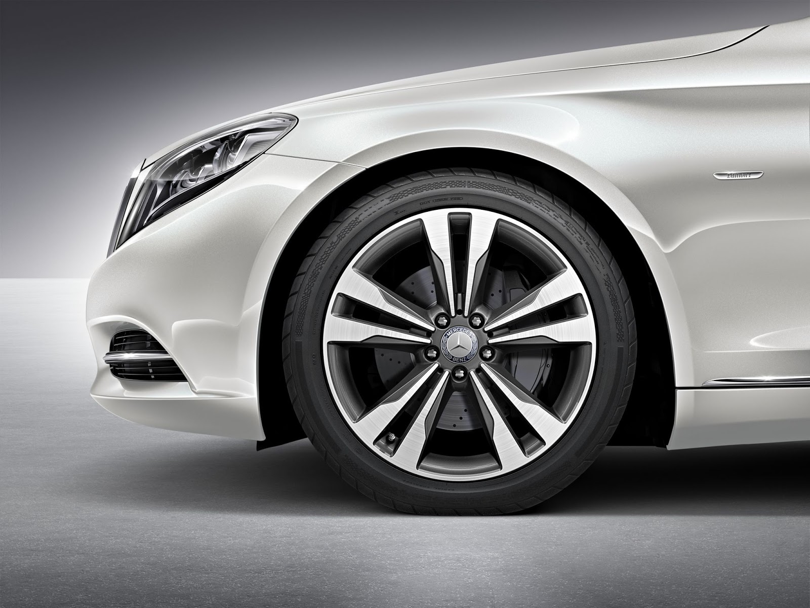 Read more here News in German Mercedes Benz W222 S Klasse Edition 1