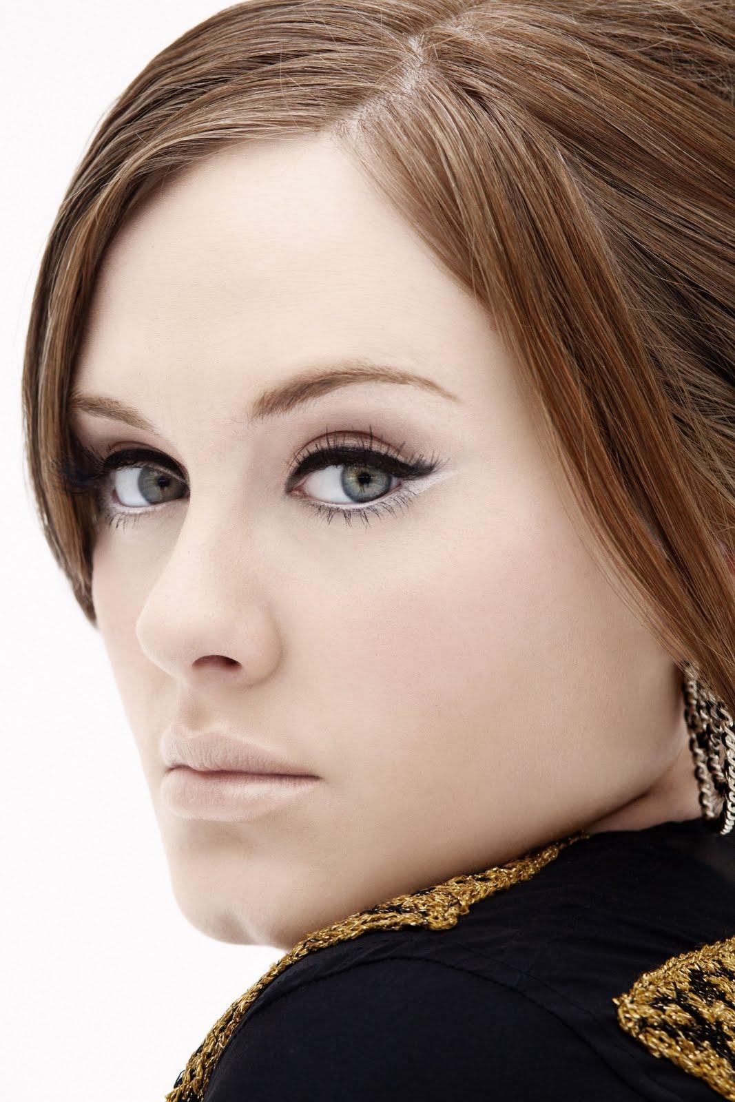 http://2.bp.blogspot.com/-zaq9aVQJolM/Tu0HILLm3mI/AAAAAAAABNg/4wMjR2voVwE/s1600/adele+makeup.jpg