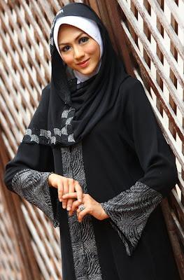 Cantik dan Bergaya dengan Busana Muslim.jpg