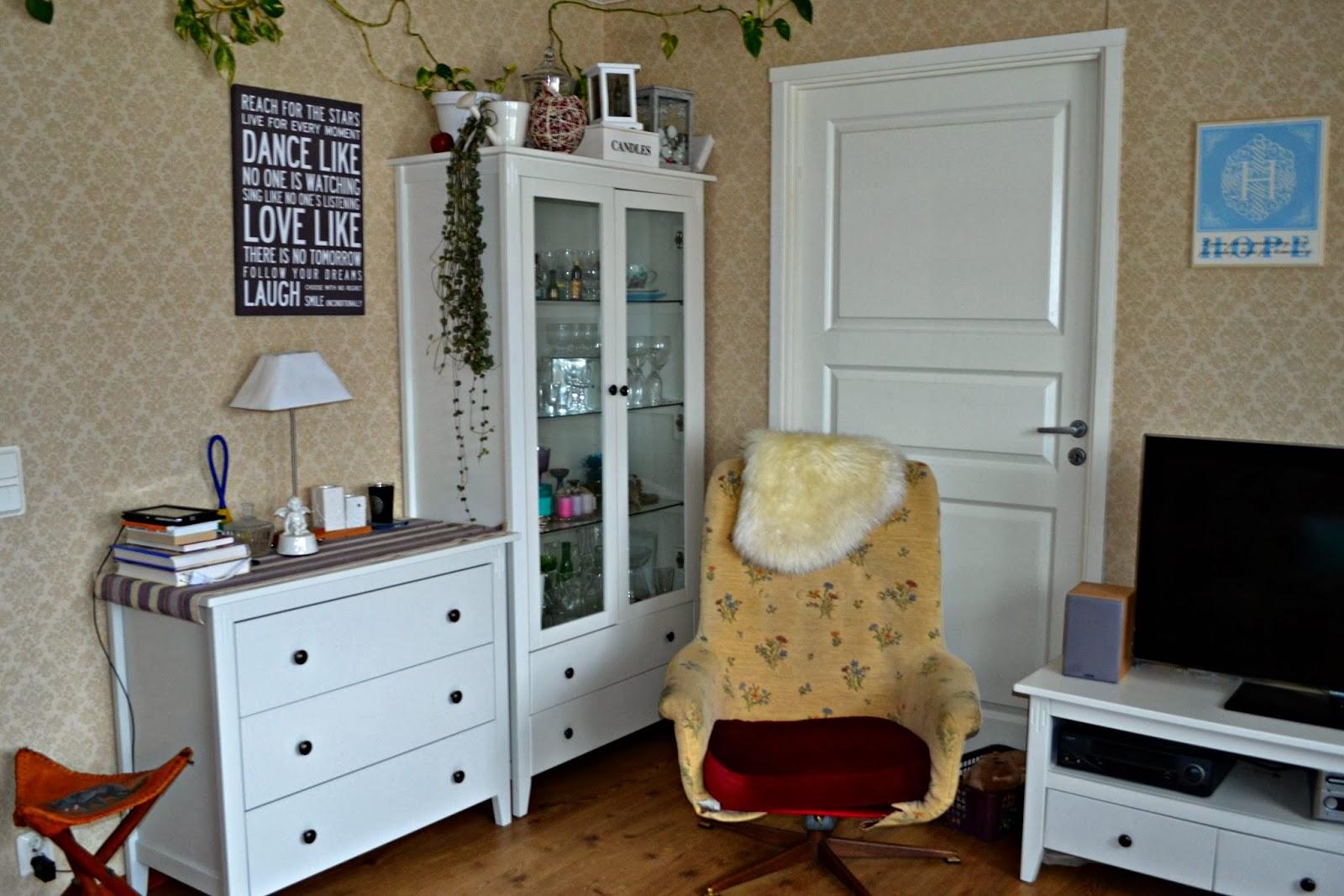Livet i villa tallunden: 4. kolla! här är en bild från mitt vardagsrum
