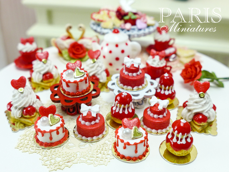 Miniature food - miniature pastries