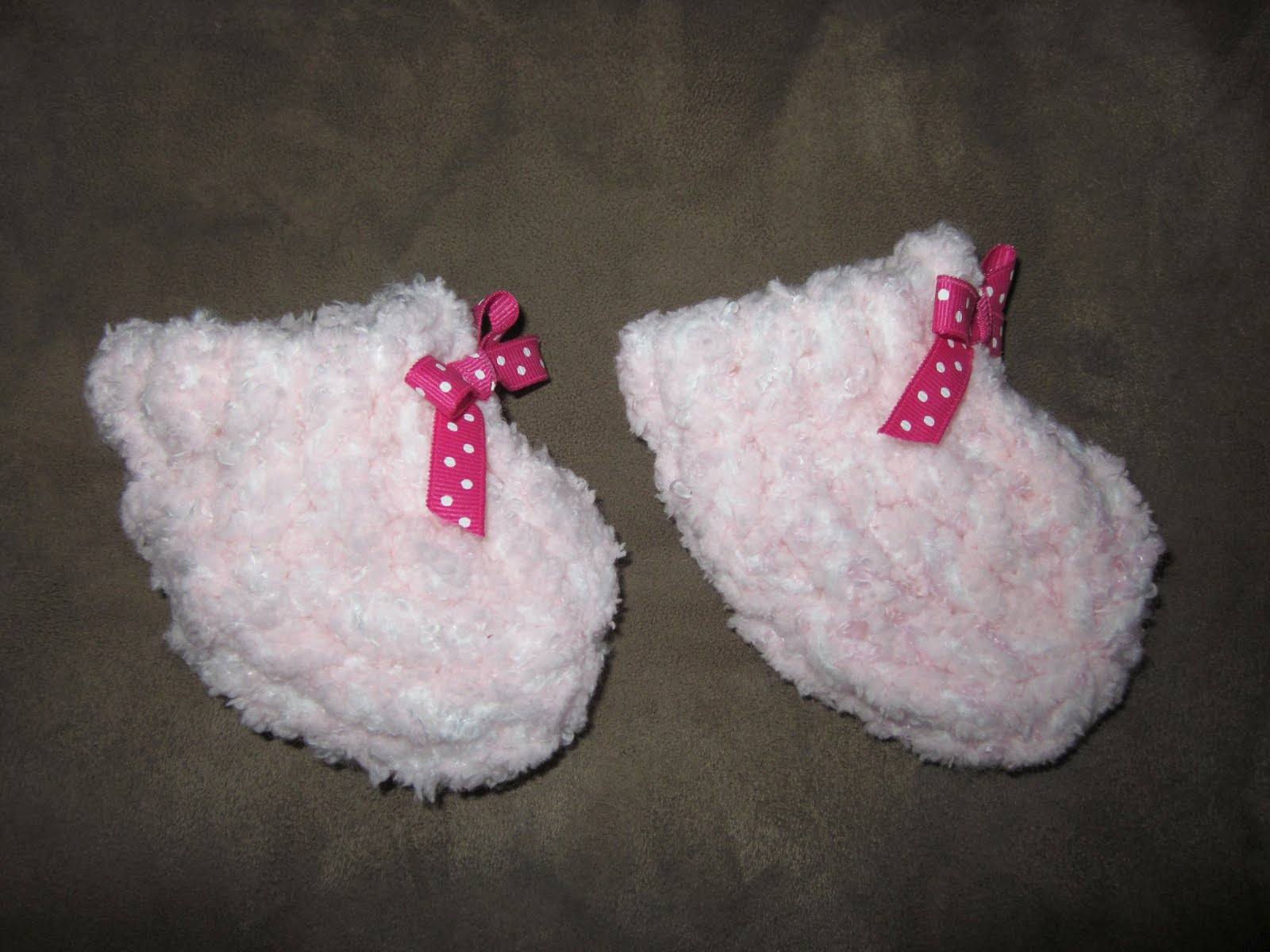 how to make baby booties on a 24 peg loom