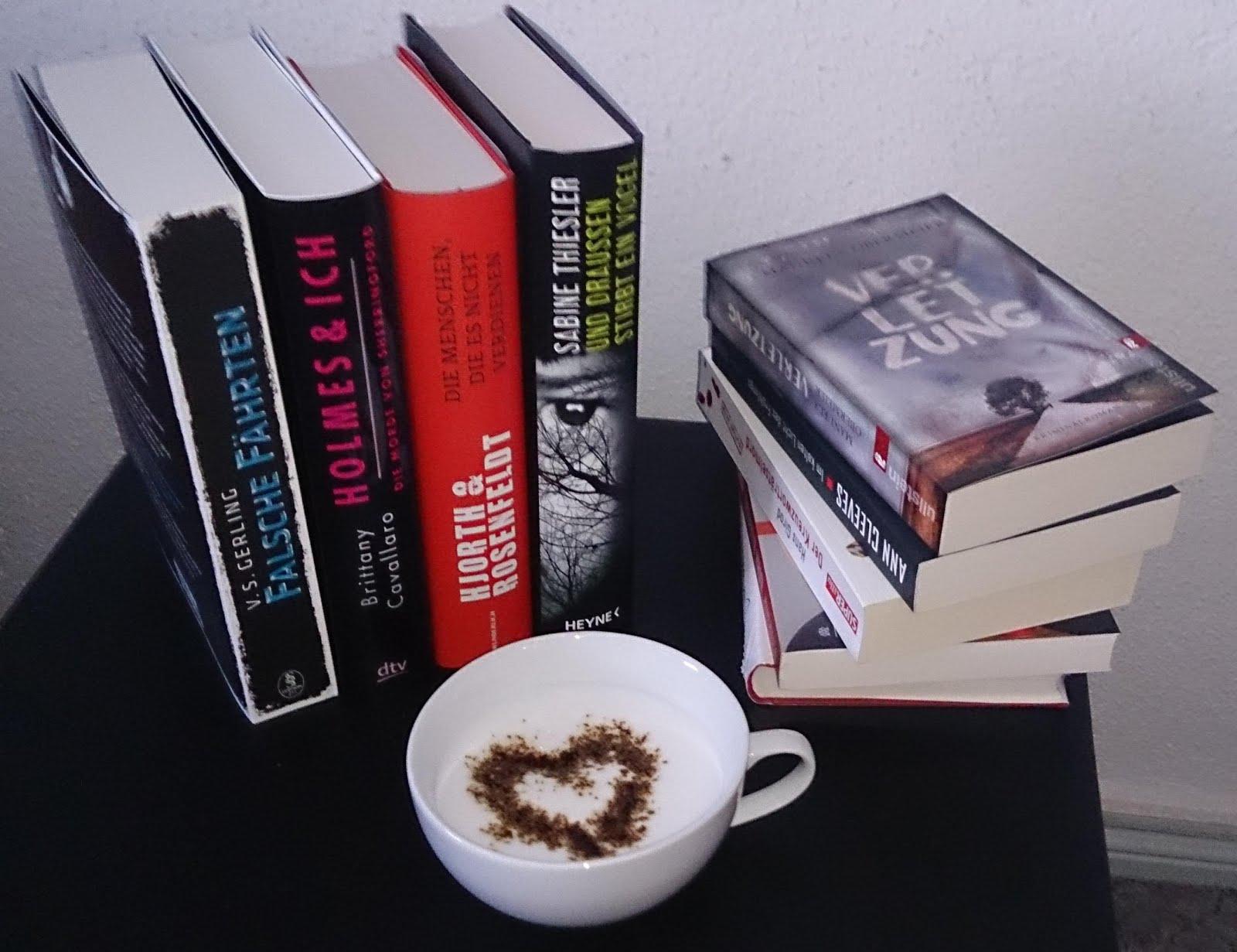 Ein leckerer Kaffee und ein gutes Buch gehören einfach zusammen