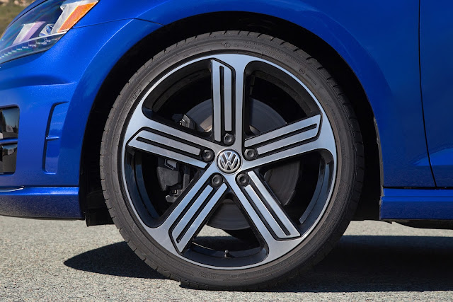 Tire, wheel and brake of 2015 Volkswagen Golf R
