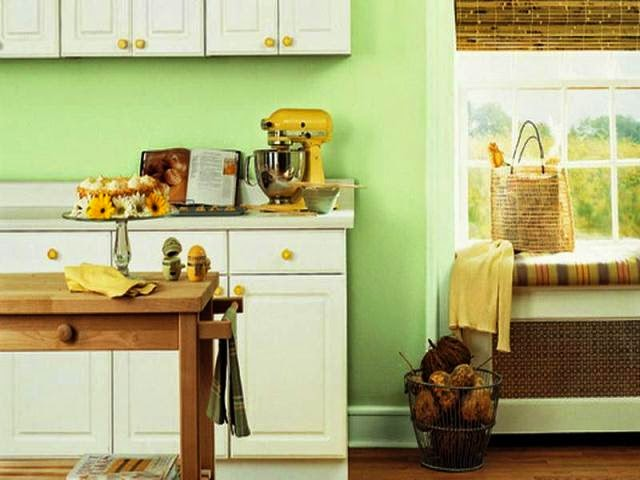 wall paint colors for small kitchens