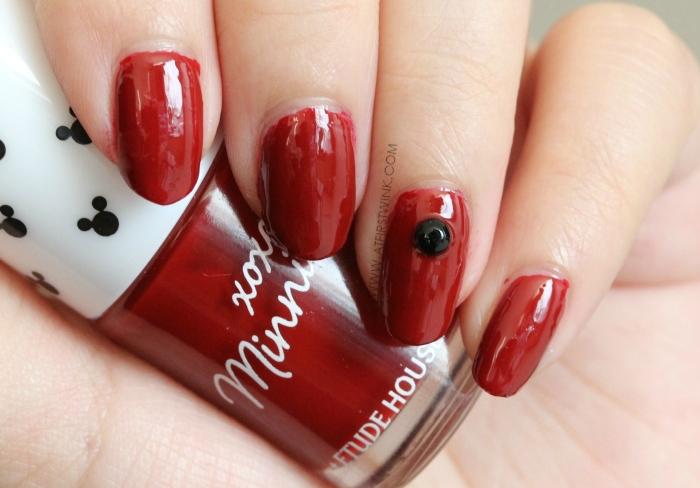 Etude House xoxo Minnie nail polish 01 - Minnie Red with black nail stud