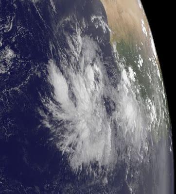 Tiefdruckgebiet bei Kapverdischen Inseln könnte zum Tropischen Sturm KATIA werden, 2011, aktuell, Atlantik, August, Katia, September, Hurrikansaison 2011,