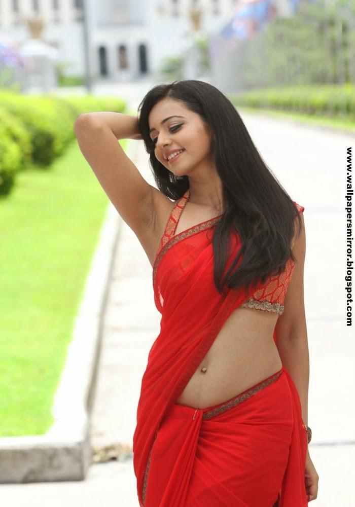 Rakul preet singh saree pics