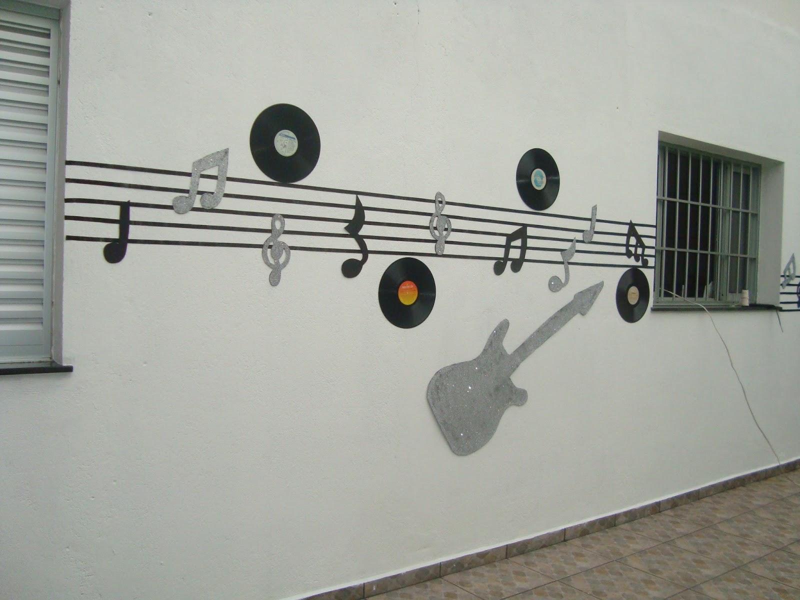 decoracao festa notas musicais:De Volta Aos 60's: Decoração: Notas Musicais e Discos de Vinil