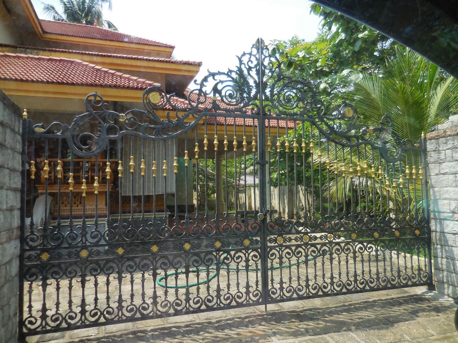 Kerala Gate Designs: Houses gates in Thrissur District, Kerala