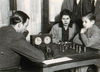 Partida de ajedrez Pomar vs. Juan Manuel Fuentes en 1943