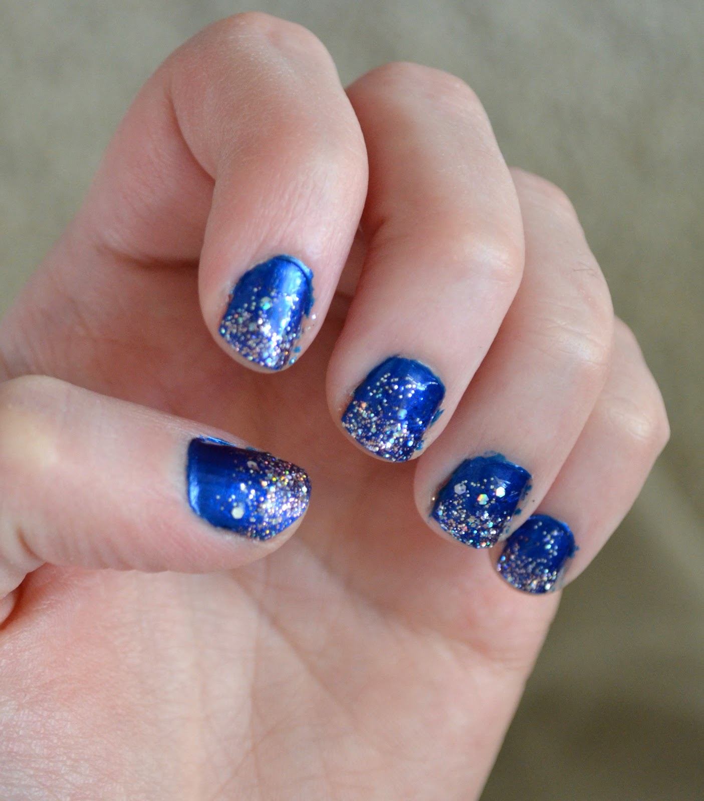 How To Have Night Sky Glitter Fade Nails