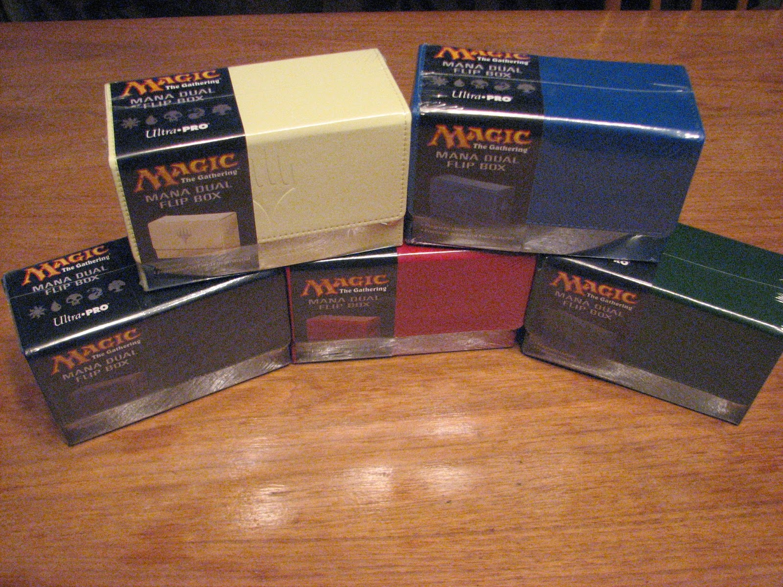 Mtg realm ultra pro dual flip box card sleeves playmats and portfolio we want to yatter to you about another product just hitting the market presently mtg dual flip boxes biocorpaavc