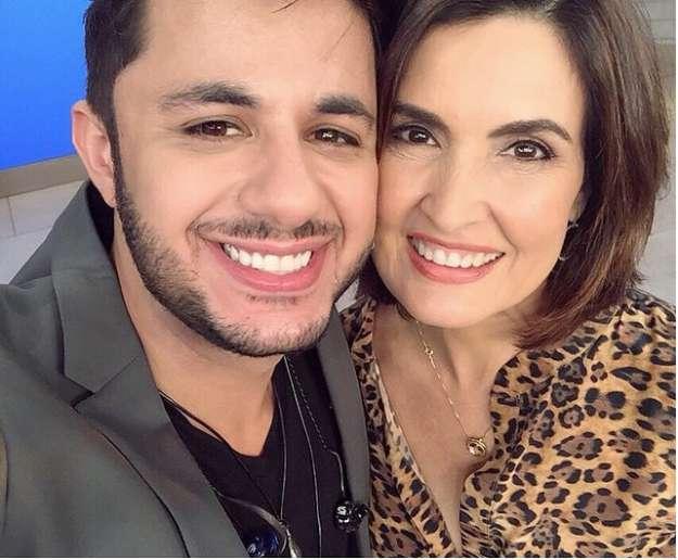 Fátima Bernardes lamenta ter errado nome de Cristiano Araújo