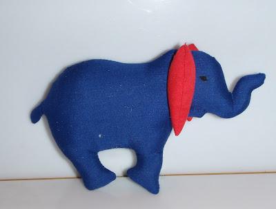 Kék lapos elefánt