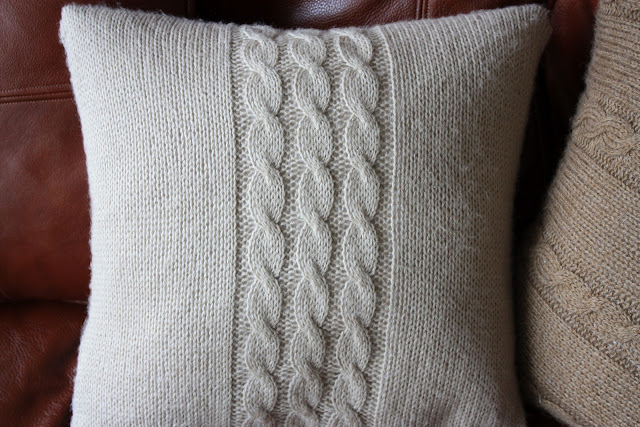 Knitting Patterns For Cushion Covers : Natis Little Things: Knitted cushion covers