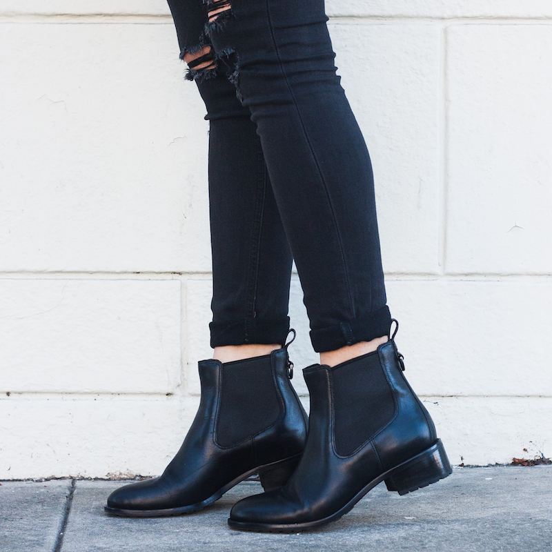what would penny lane wear in 2015? Black printed fur jacket with ripped skinny jeans a cole haan chelsea boots