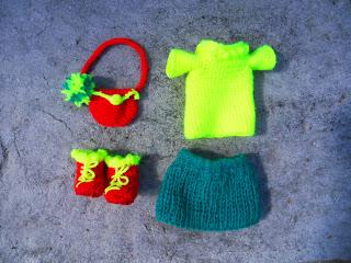 habits de poupée en crochet
