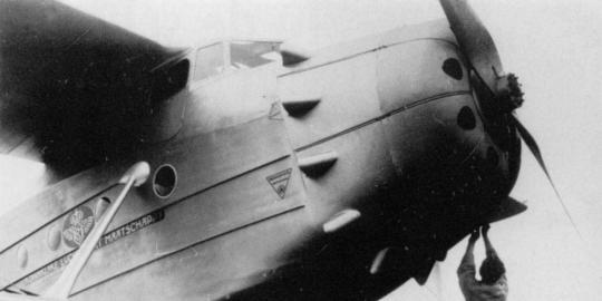 Penerbangan Pertama Era Kolonial Amsterdam-Jakarta