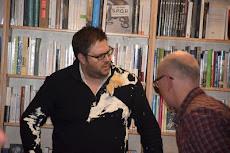Pourquoi le petit Bock-Côté s'est-il laissé entarter dans une librairie?