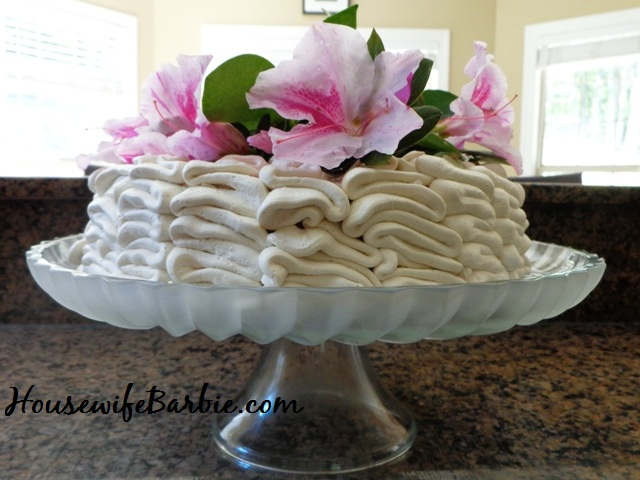 http://www.housewifebarbie.com/2012/09/homemade-white-vanilla-cake-with.html