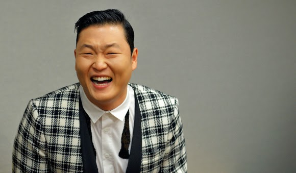 4 sao nam Kpop thành công dù bị chê xấu