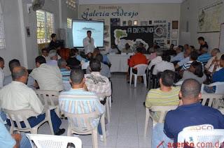 """""""Jartos"""" de promesas del Gobierno, ocoeños repararán ellos mismos su carretera"""