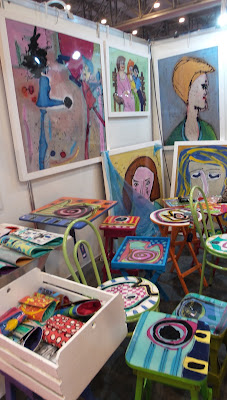 Cristina Mac Dowell; artesã; artesão; artista plástico; acetato; artesanato; feira; arte popular; lazer.