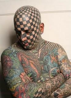 el hombre mas tatuado del mundo