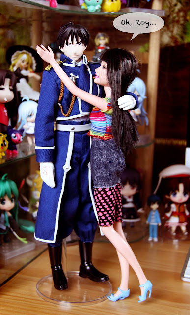 Medicom Roy Mustang and Barbie get along well.