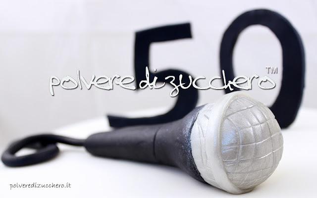 torta microfono 50 anni polvere di zucchero