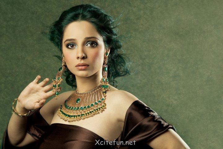 Stylish Fashion Of Bridal Jewelry By Juggan Kazim !