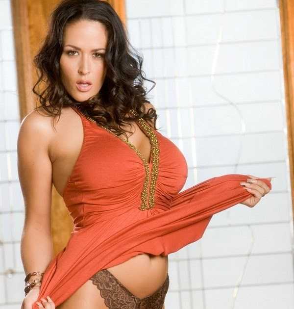 Carmella Bing gets naked. - Free Nude Celebs Pictures