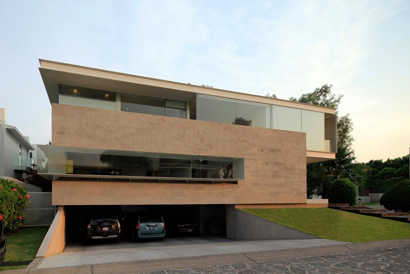 Garage of Godoy House by Hernandez Silva Arquitectos in Mexico